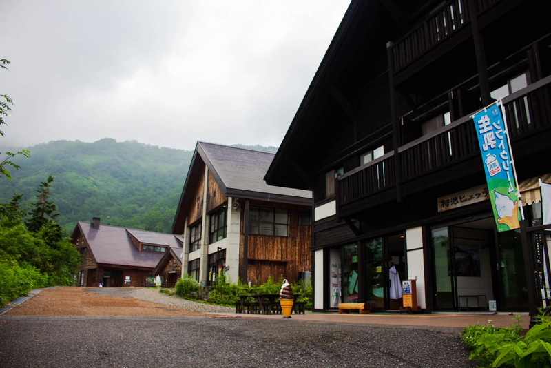 栂池山荘をはじめとした建物たち