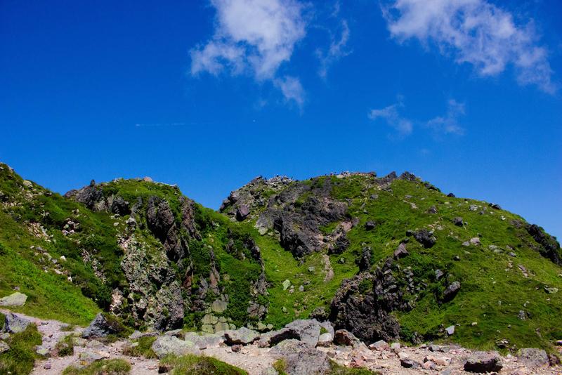 奥白根山山頂を見上げた写真