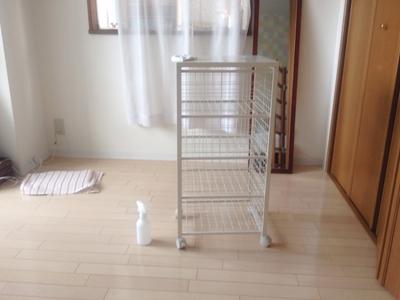 白いキッチンワゴン