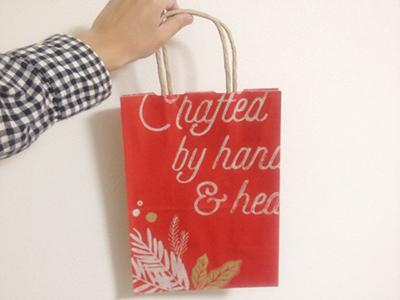 スタバのクリスマス柄紙袋