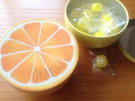 オレンジとレモンのキャンディ 飴の缶