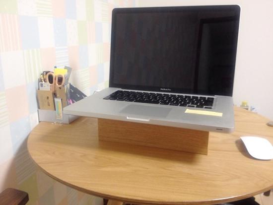 ノートパソコンの台 ニトリ ティッシュボックス ケース 木製