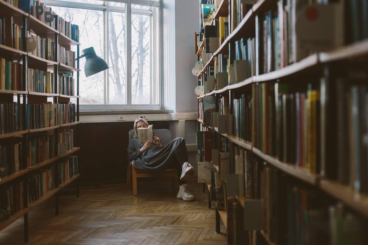 雨の休日は家で読書に限るね