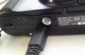 DSC-HX10V底面。三脚ネジ穴とUSB端子が近すぎ(ーー;)