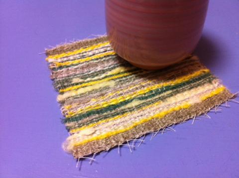 自分で育てた蚕の糸で織ったコースター