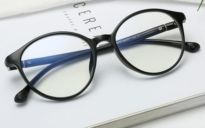 ブランドメガネ 流行眼鏡 トレンド女性