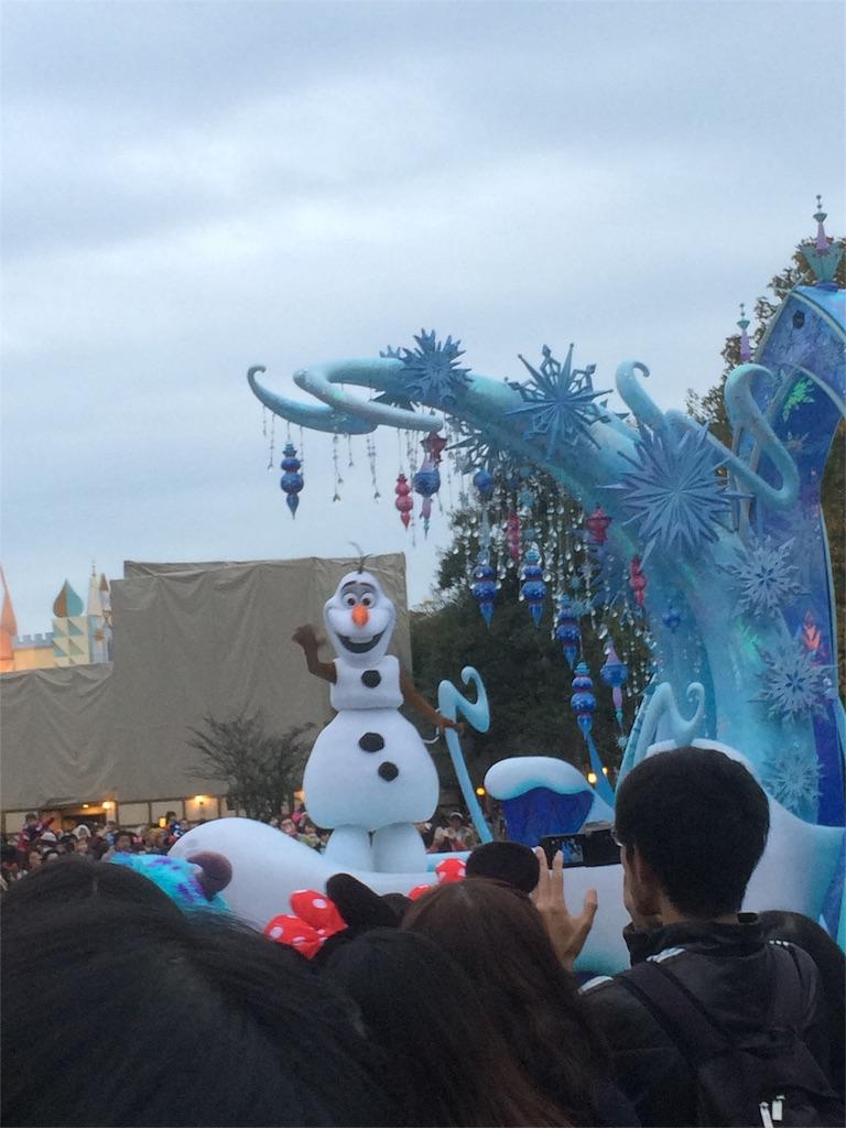 2016年ディズニークリスマス パレード オラフ