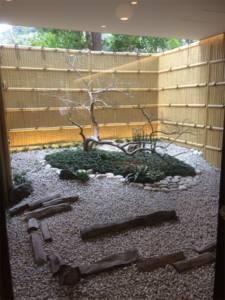 もみじ茶屋 店内 庭園