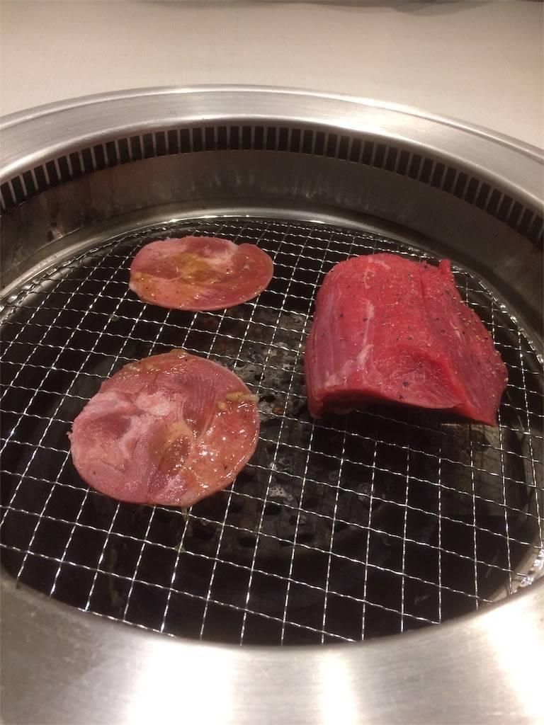 株主優待 すかいらーく じゅうじゅうカルビ 赤身の塊肉 網焼き