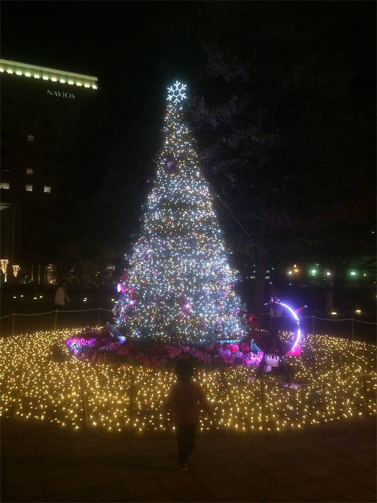 横浜 みなとみらい ワールドポーターズ クリスマスツリー