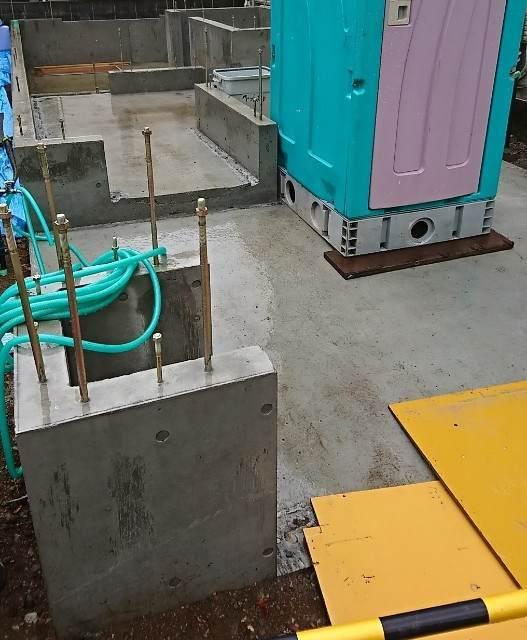 基礎工事 コンクリート 型枠撤去