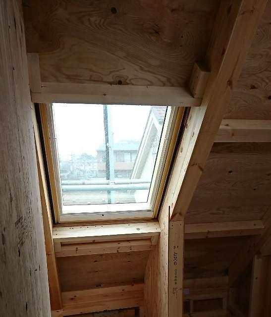 ベルックスの天窓が施工 比較画像