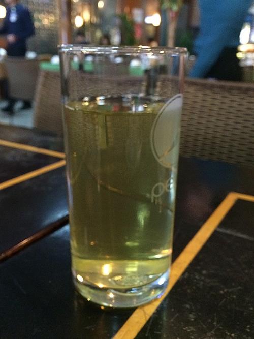 ハノイ・ノイバイ空港での食事