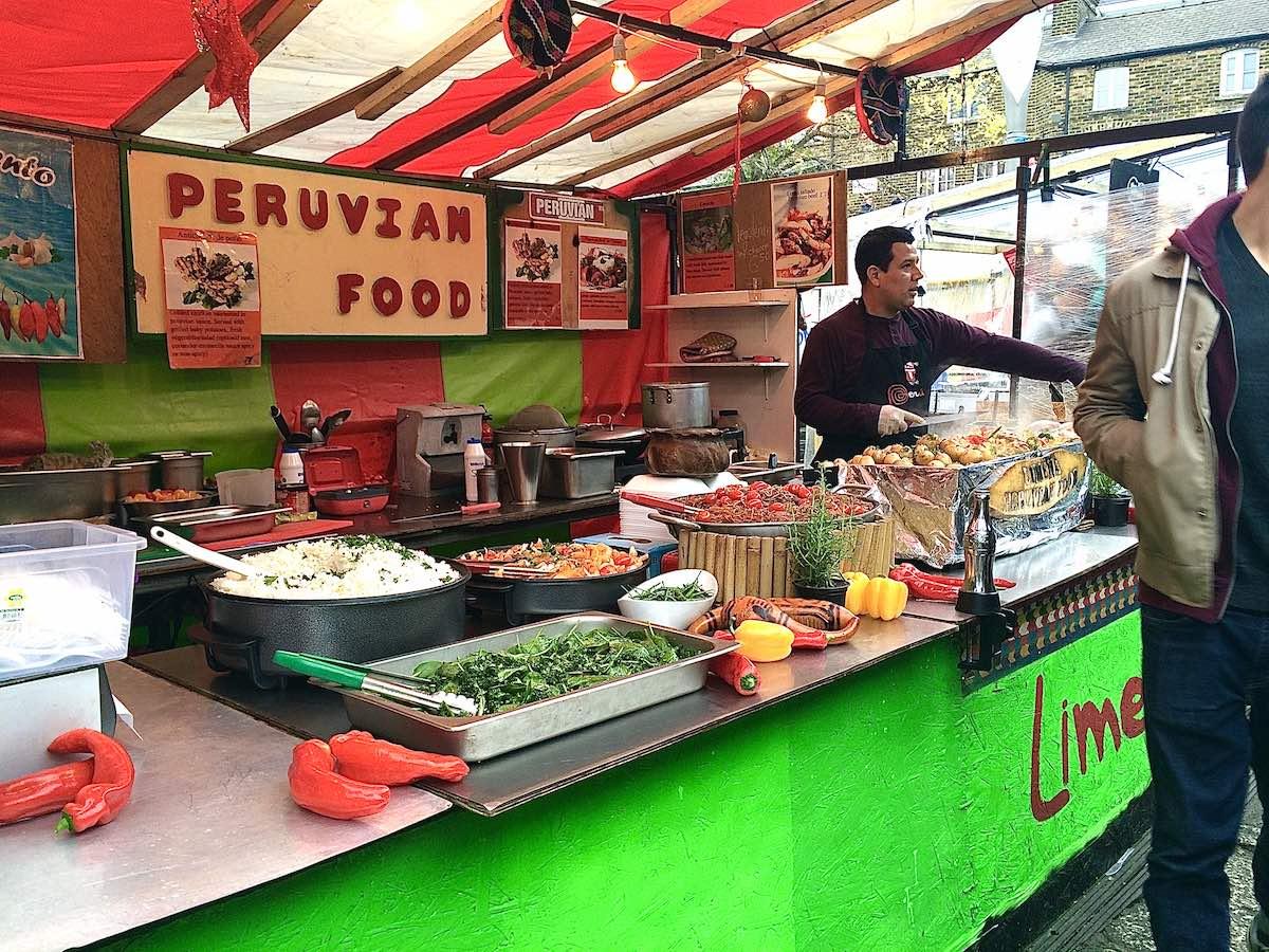 「カムデンロック マーケット」でペルー料理