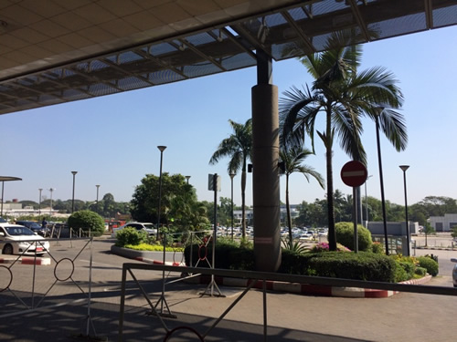 ヤンゴン国際空港 到着!