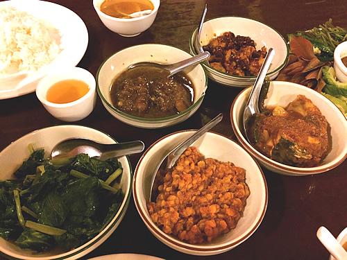 ミャンマー料理レストラン「Feel(フィール)」でランチ