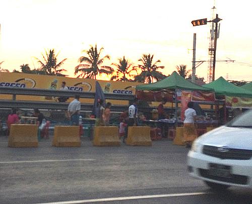 ヤンゴン川沿い「ストランド・ロード」