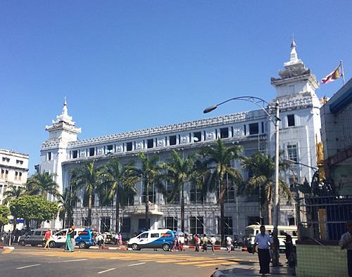 ヤンゴンの観光名所がダウンタウンの中心地に集結!