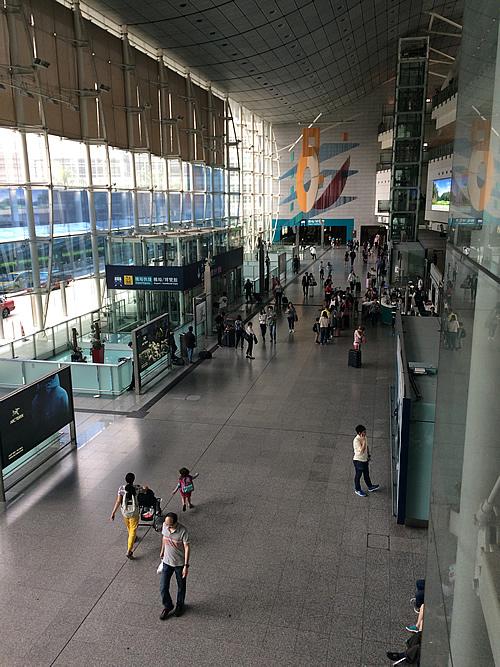 香港ともお別れ 香港駅からエアポート・エクスプレスヘ乗って