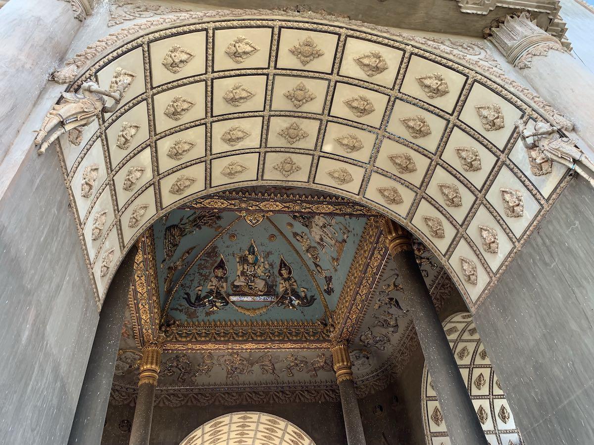 ラオスの凱旋門の上部