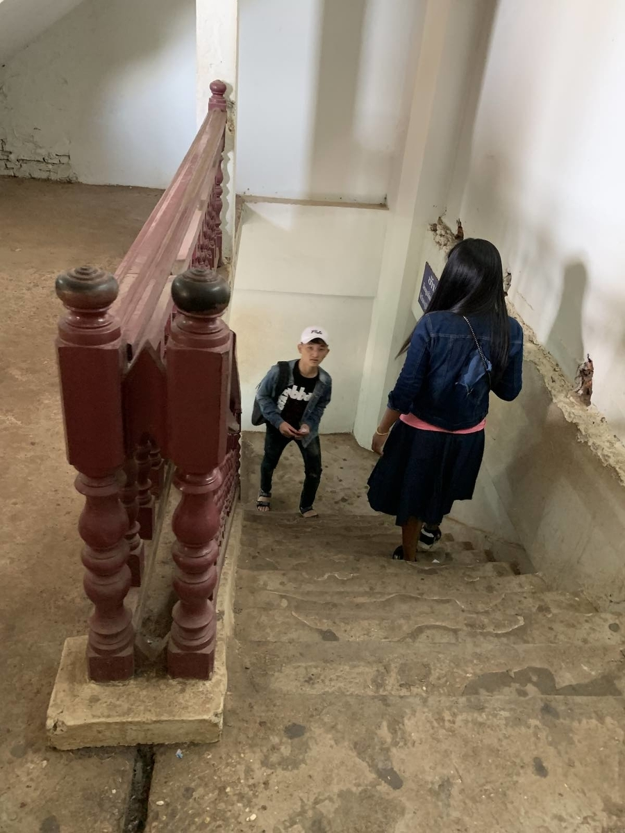 ラオスの凱旋門の階段