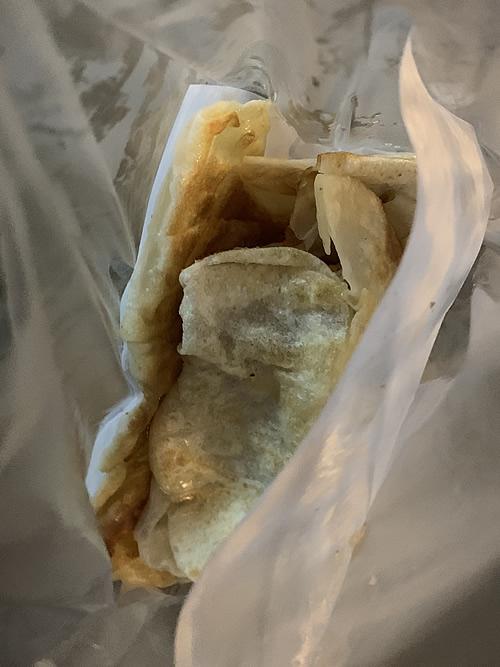ラオスのクレープ「パラタ(ローティー)」を屋台で食べる!