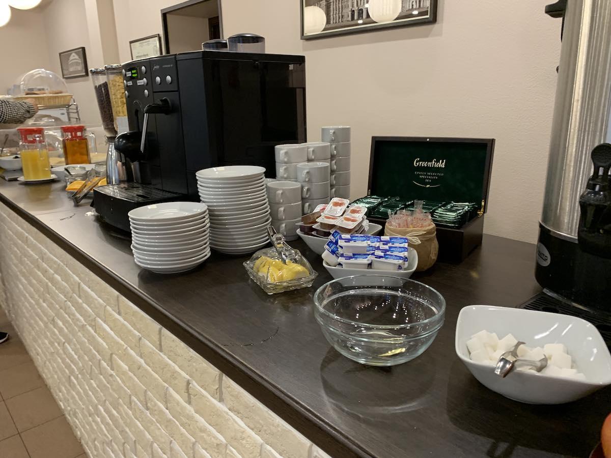 Mホテルでの朝食はロシア風 @ サンクトペテルブルク