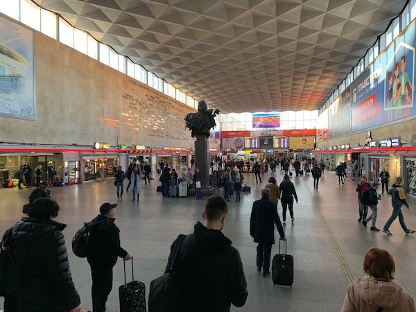 モスクワ駅から高速列車「サプサン号」に乗る @ サンクトペテルブルク