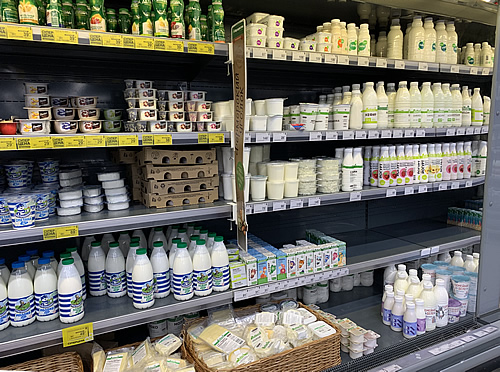 ロシアの24時間スーパーマーケット @ サンクトペテルブルク