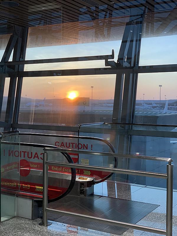 クアラルンプール国際空港での日の出