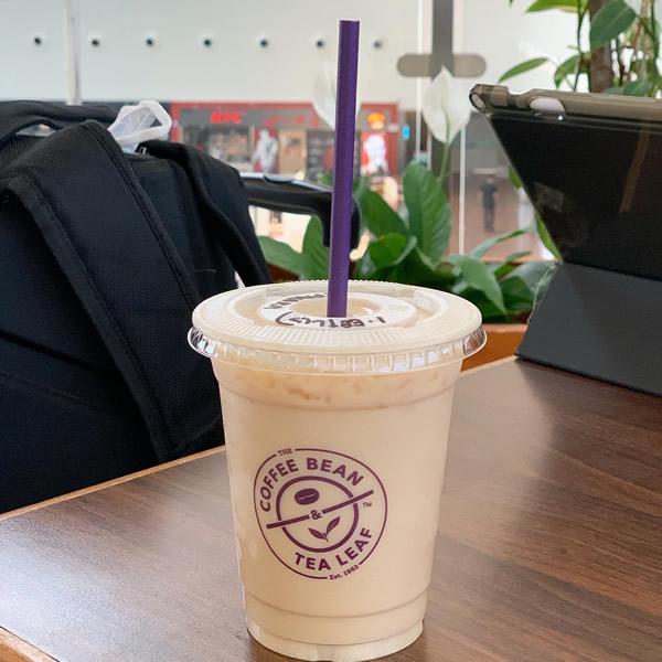 ブルネイ国際空港のカフェ