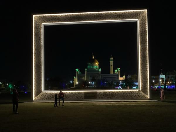 夕暮れから夜のオールドモスクが美しい! @ ブルネイ