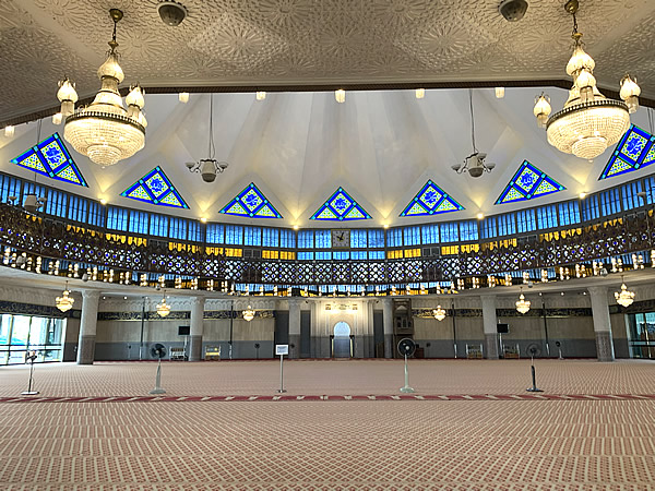 マレーシア国立モスク「Masjid Negara」のに行って見た! @ クアラルンプール