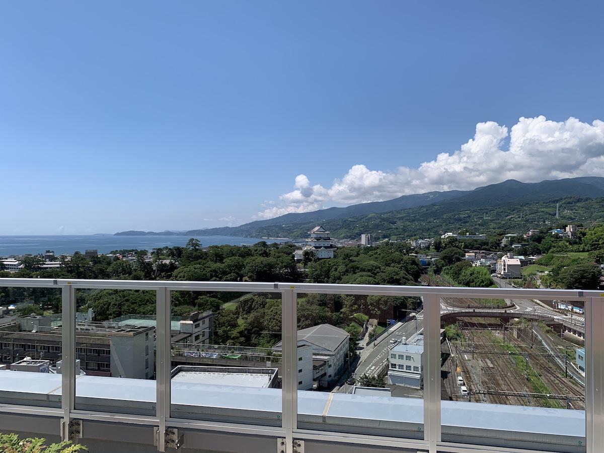 ミナカ小田原 展望フロアからの眺め 相模湾