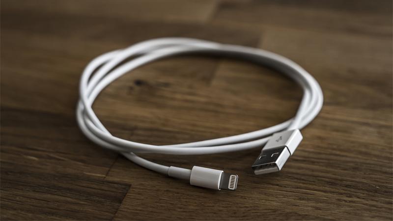 セブンイレブン、Apple純正アクセサリを5月中旬から販売