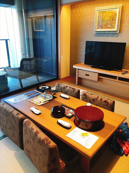 ホテル三日月富士見亭の和室