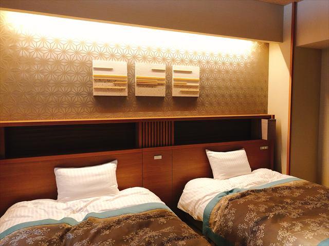 ホテル三日月富士見亭の洋室