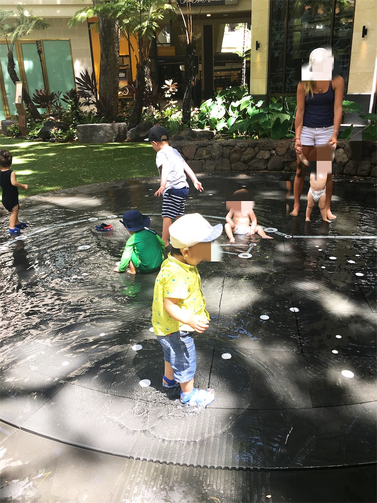インターナショナルマーケットプレイス 水遊び