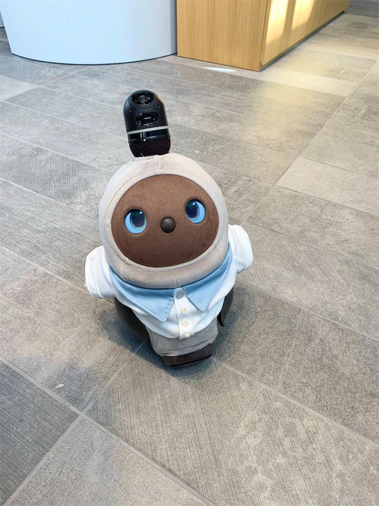 オルビスラウンジのAIロボットのウルちゃん