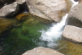 鼻白の滝近くの遊泳スポット