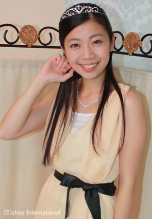 髪のアクセサリーが素敵な佐々木悠花さん