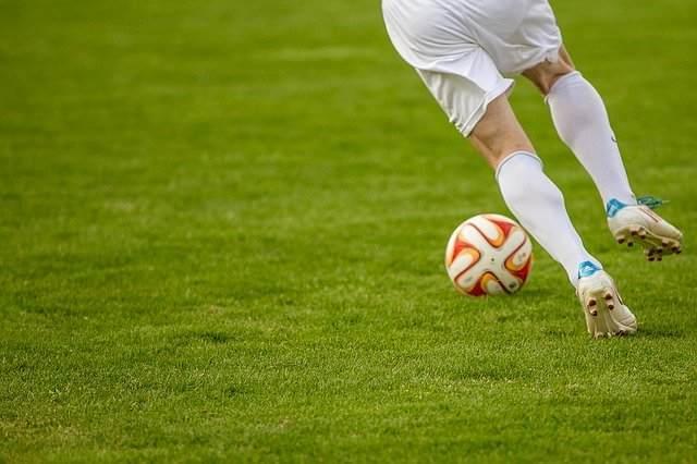 サッカーやプロ野球が延期になっても楽しく過ごせるスポーツ漫画3選【おすすめ漫画紹介】