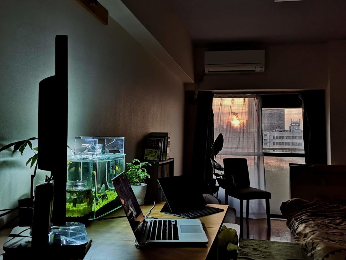 自室 作業環境の様子