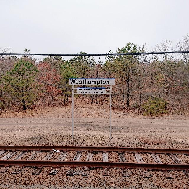 ウエストハンプトン駅