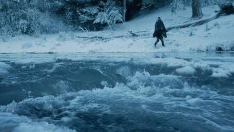 川を渡るサンサ・スターク
