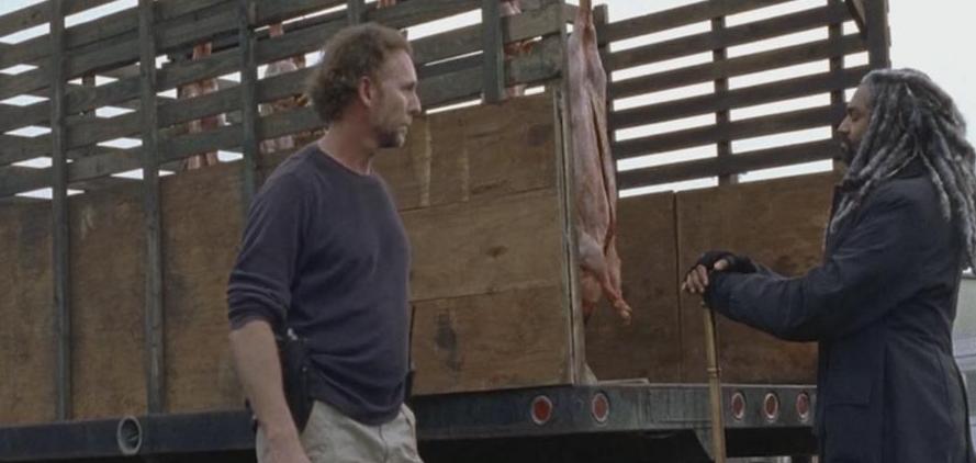 ギャレスに肉を渡すエゼキエル