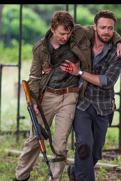 アーロンと撃たれたエリック