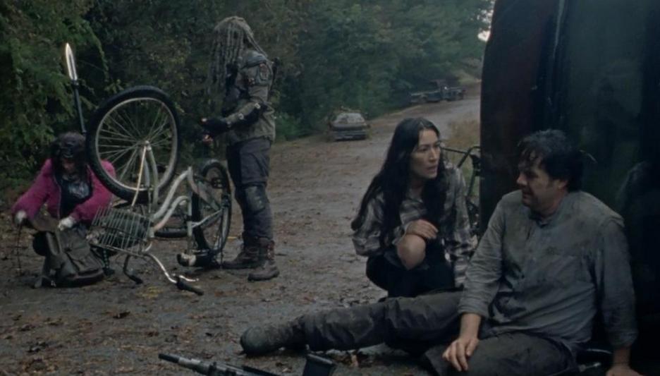 自転車が壊れて泣くユージーン