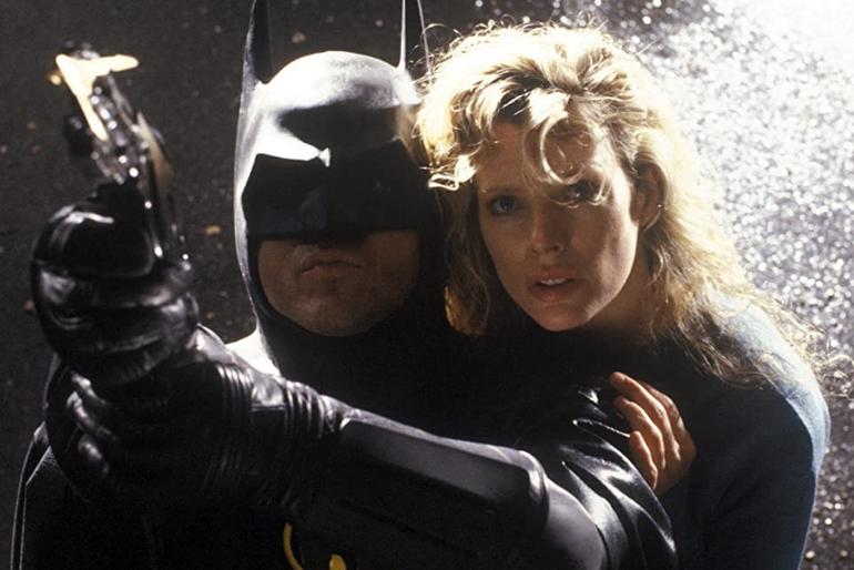 ヒロインのヴィッキー・ベールとバットマン