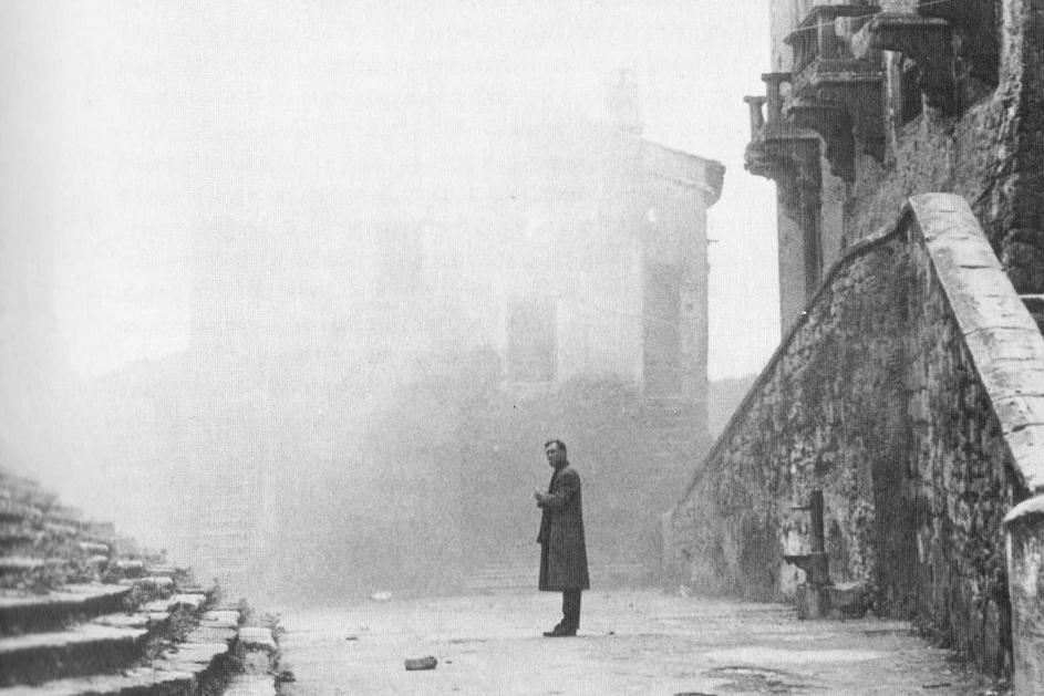タルコフスキーの映画ノスタルジアのワンシーン
